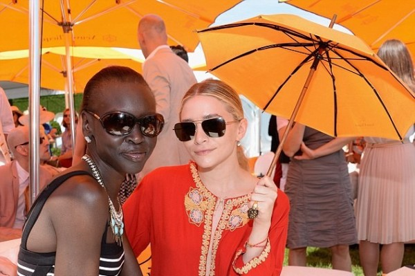 Ashley Olsen does not like the sun touching her skin! HOWLING