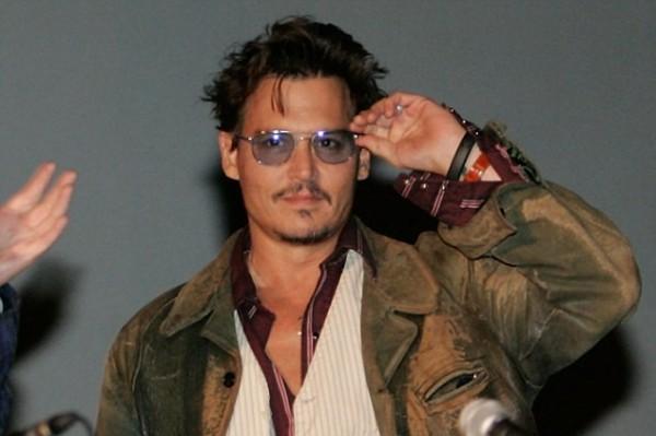 Meet Johnny Depp's, 50, girlfriend Amber Heard, 27! (shocked Johnny, shocked)