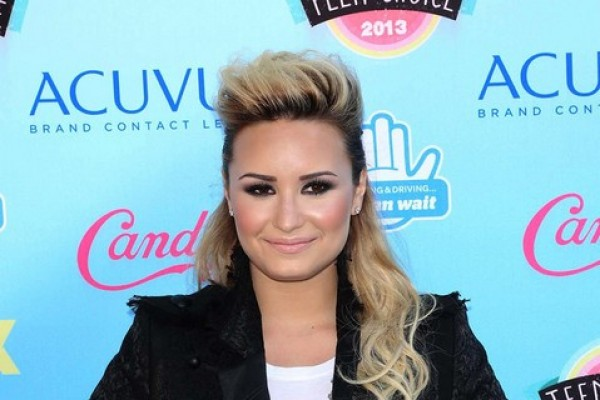 Demi Lovato's Nude Photos Hit The Internet (NSFW pixs)