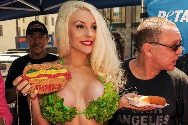 Teen Bride, Courtney Stodden, hilarious plan to stay famous! (we have the emails)