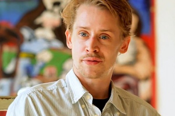 Macaulay Culkin and his new girlfriend need to get a room (getting it on in public!)