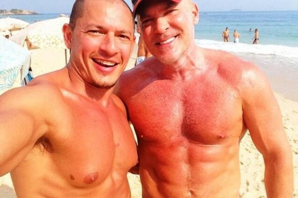 Topless Good Morning America weatherman Sam Champion In TIGHT Short Shorts!