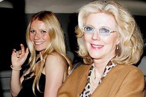 """Gwyneth Paltrow's mom say: """"Gwyneth is extraordinarily accomplished in every area and people don't like that"""""""