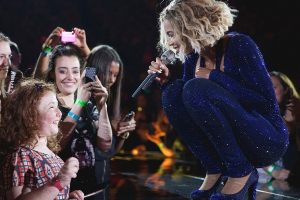 Watch Beyoncé Sing a Duet With A Young Blind Girl (Saint Beyonce)