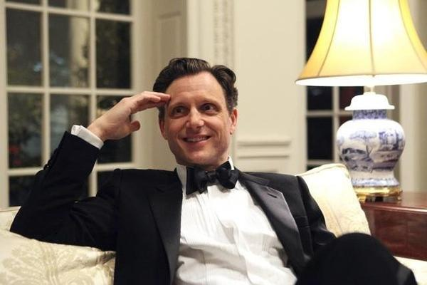 Tony Goldwyn, The President, goes shirtless (oh, the scandal)