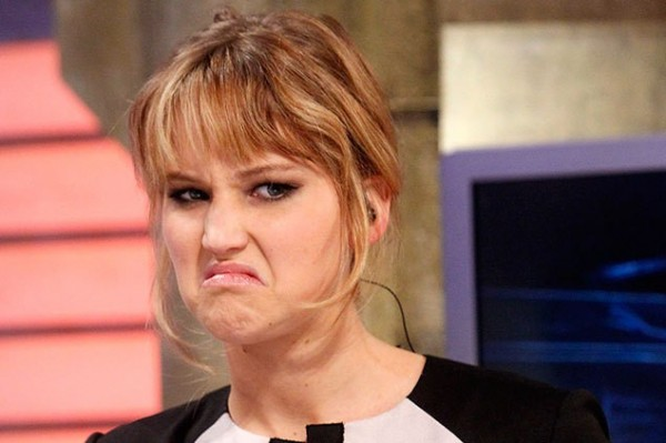 Jennifer Lawrence is CONSTANTLY on edge! (always scared)