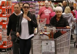 Amanda Bynes Goes Grocery Shopping with Her Parents and a Private Escort
