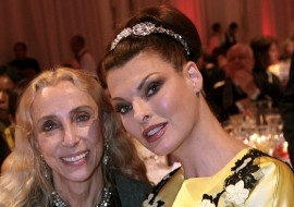 Linda Evangelista's face looks different (take a look)