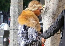 Beyonce Wears A Fur To A Vegan Restaurant. (I MEAN)