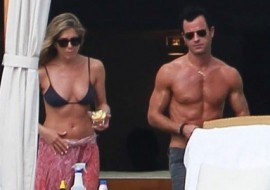 Jennifer Aniston and Justin Theroux land in Mexico for a romantic New Year's Eve getaway