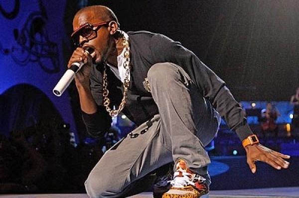 Kanye West: I Risk My Life Like Cop or Soldier During Concerts (SHUT UP)