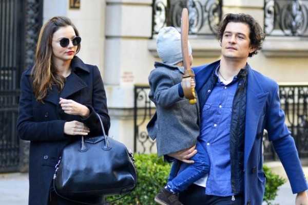Orlando Bloom And Miranda Kerr Reunite In NYC With Son Flynn (great parents)