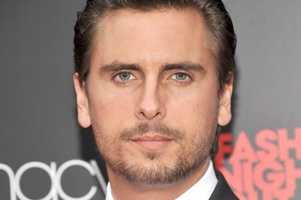 Half Naked Scott Disick – you know you want to take a peek!