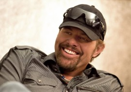 Toby Keith's New Restaurant 'No Guns Permitted' Sign, Sparks Outrage