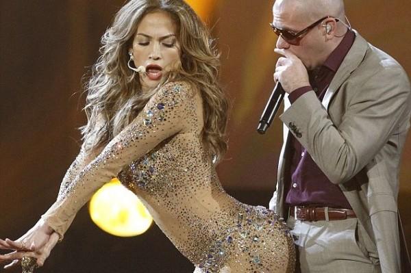 Man Says Jennifer Lopez Begged Him for Naked Pics – new lawsuit!