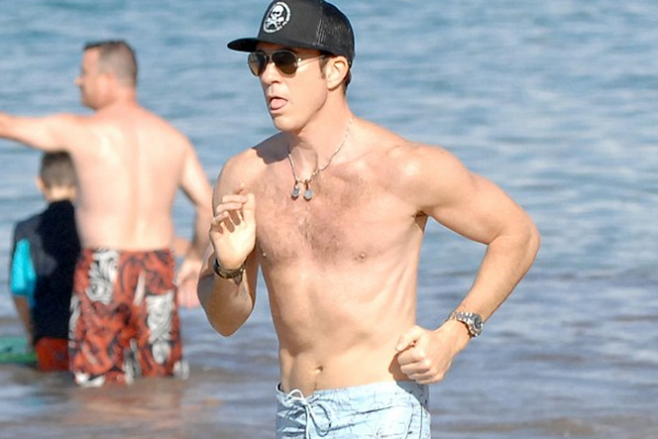 Dylan McDermott, 52, half-naked on the beach (just look at his tongue!)