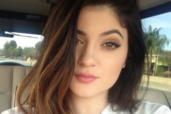 """Kylie Jenner asks, """"I would waste my time dating someone as a publicity stunt""""  – really?"""