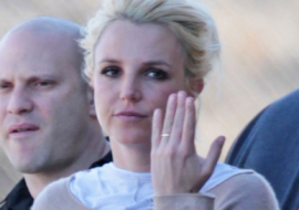Britney Spears Married? – Wearing A Wedding Band – AGAIN!